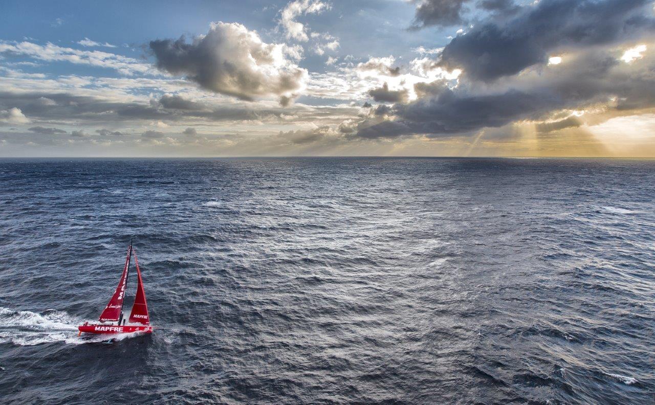 MAPFRE pasando la punta más al este de Nueva Zelanda © Ainhoa Sanchez/Volvo Ocean Race