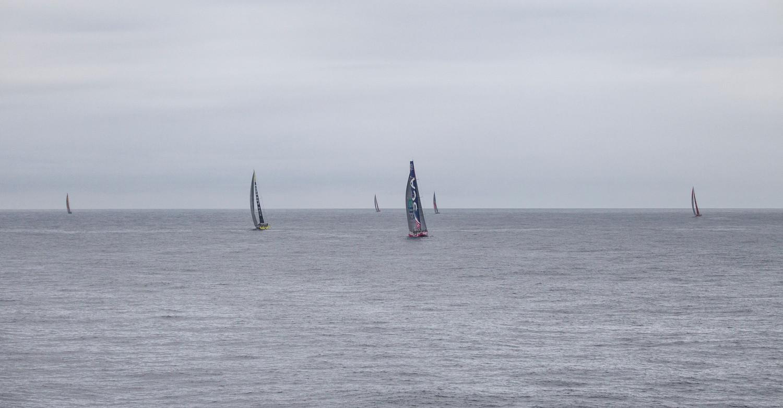 La flota navegando con vientos muy suaves © Ainhoa Sanchez/Volvo Ocean Race