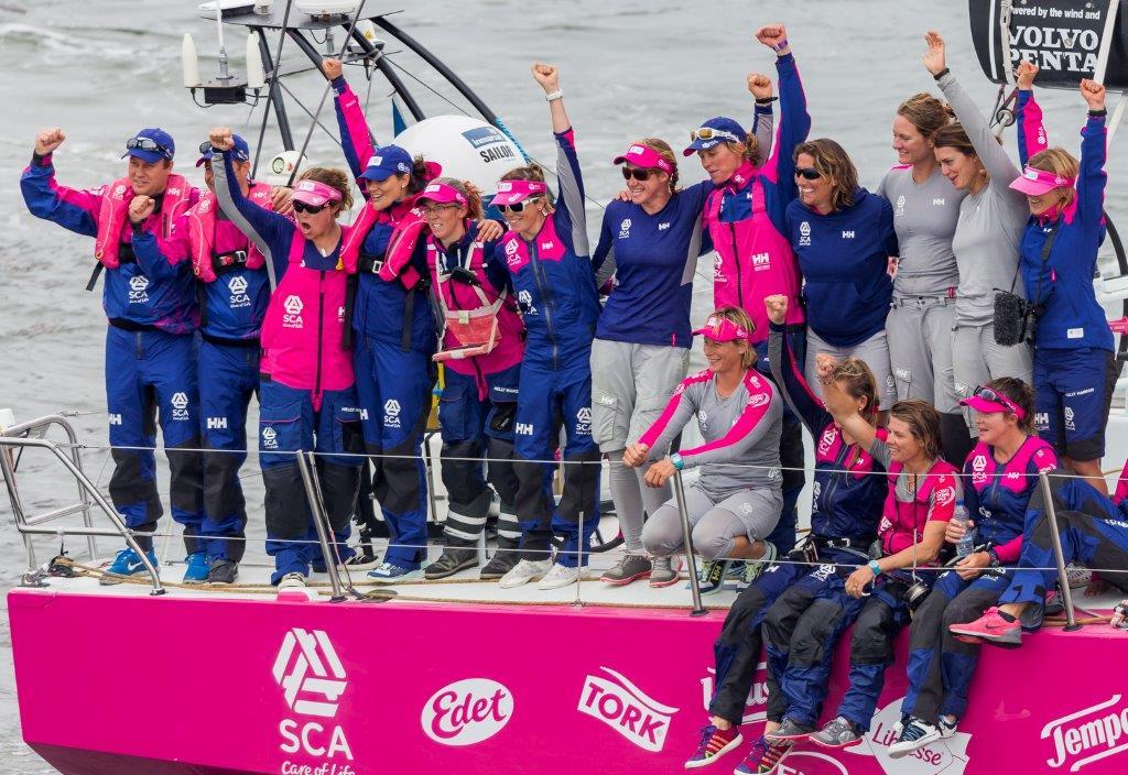 El Team SCA a bordo del barco © Carlo Borlenghi/Volvo Ocean Race