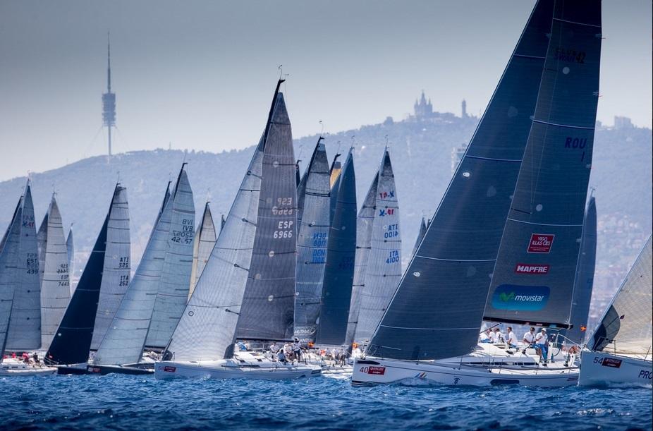 """El """"Movistar"""" durante la primera jornada de competición mundial © María Muiña-SailingShots/Barcelona ORC World Championship"""