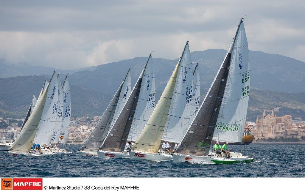 La flota de J80 durante la pasada edición de la Copa del Rey MAPFRE