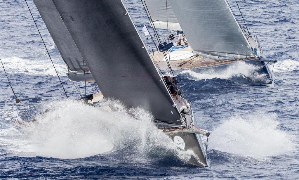 OPEN SEASON por delante del MAGIC CARPET CUBED en la clase Wally © Carlo Borlenghi/Rolex