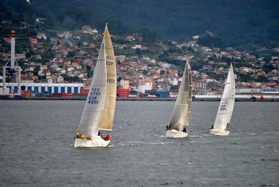 'Meigas Fora', 'Limay' y 'Argalleiro' en una llegada muy igualada © DESMARQUE SL