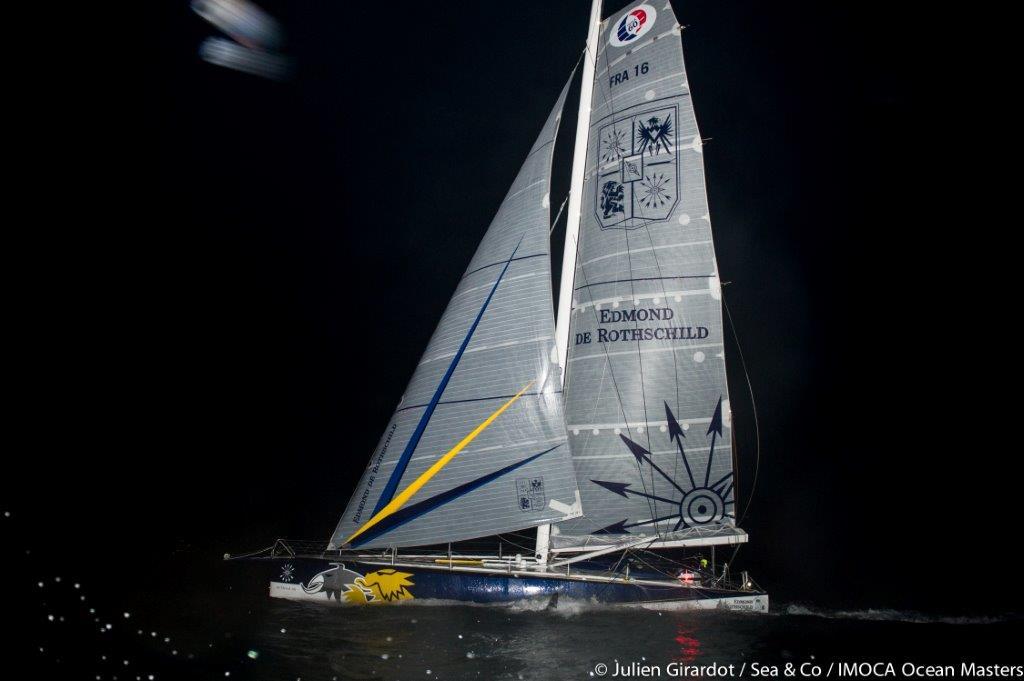 El OPEN 60 Edmond de Rothschild entrando en Port-la-Forêt © Julien Girardot/Sea & Co/IMOCA Ocean Masters