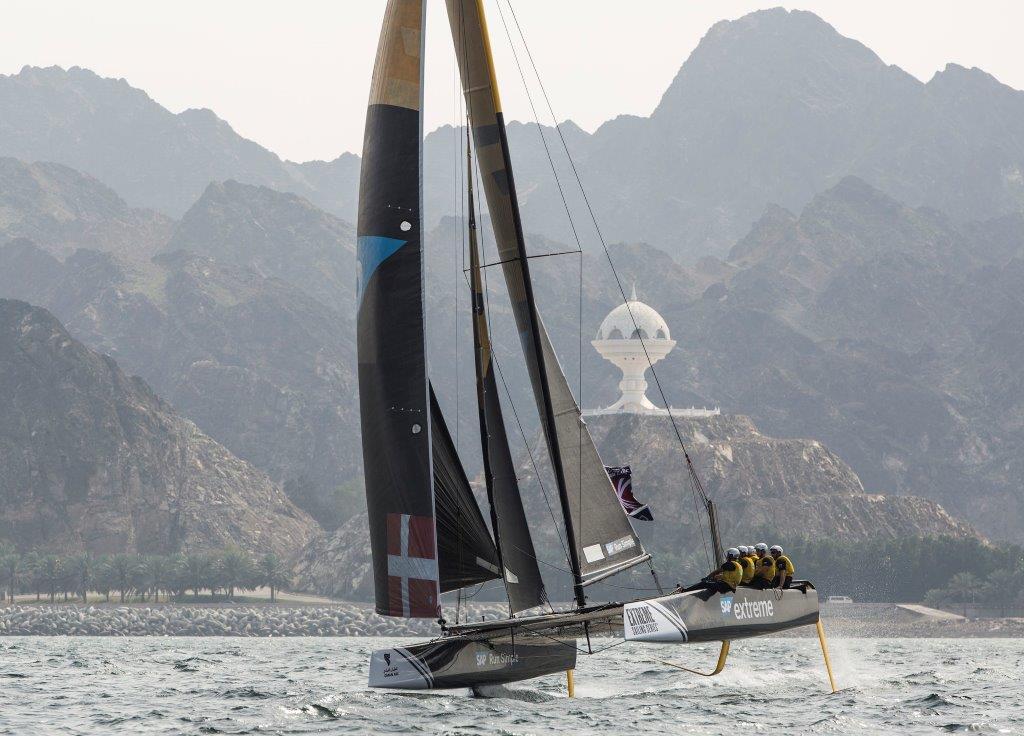 Acto 1, Muscat 2016 - día 1 - SAP Extreme Sailing Team © Lloyd Images