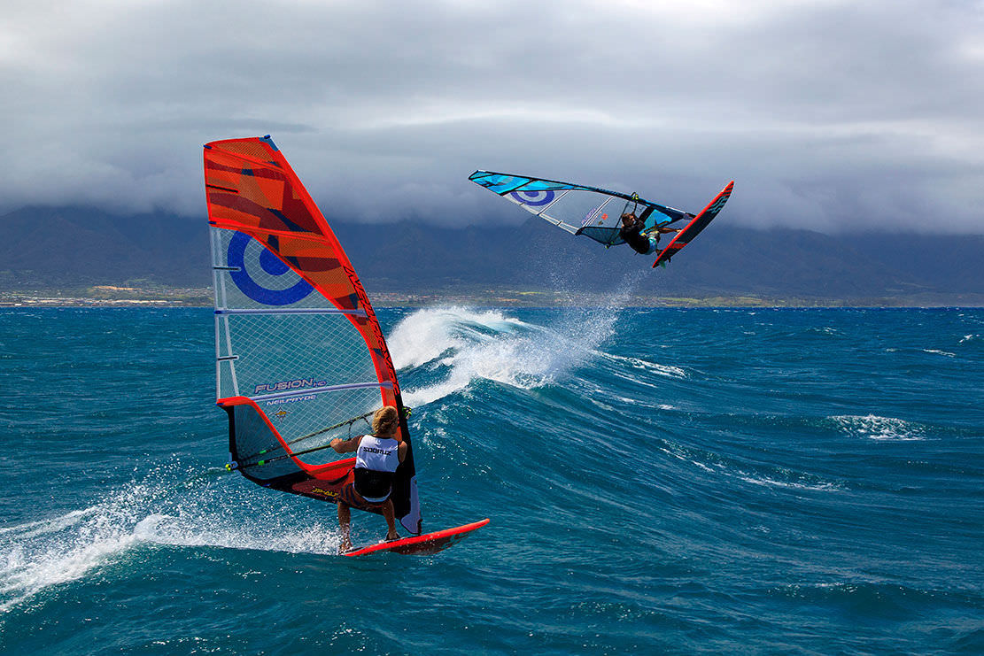 Freestyle windsurf sail / wave