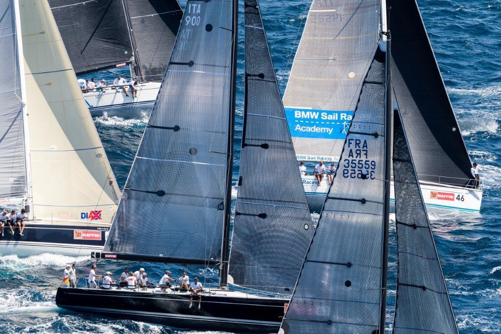 La flota de BMW ORC 1 navegando hoy en la bahía de Palma © BMW/Carlo Borlenghi