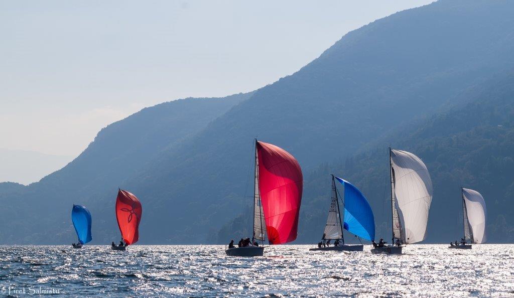 Flota de Melges 24 en el lago Maggiore © IM24CA/Piret Salmistu