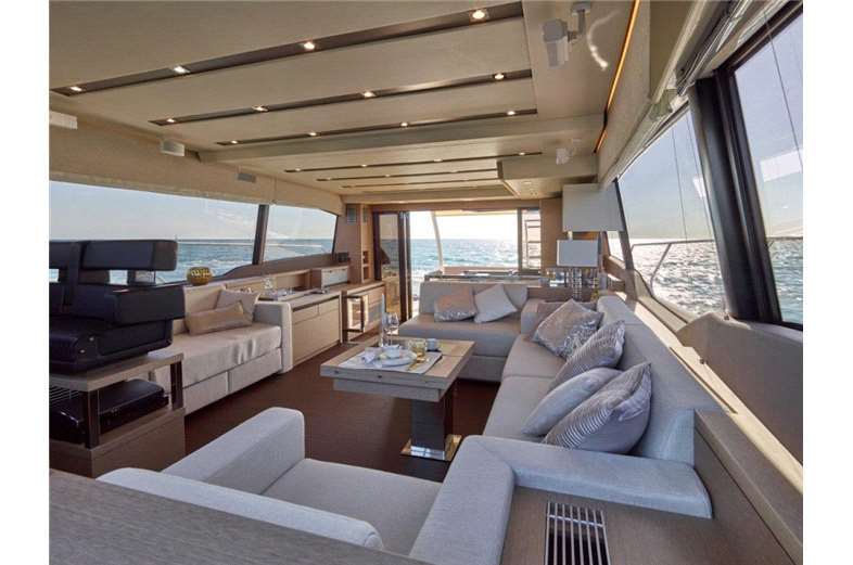 prestige-yachts-division-630-interior-2-boat-barco