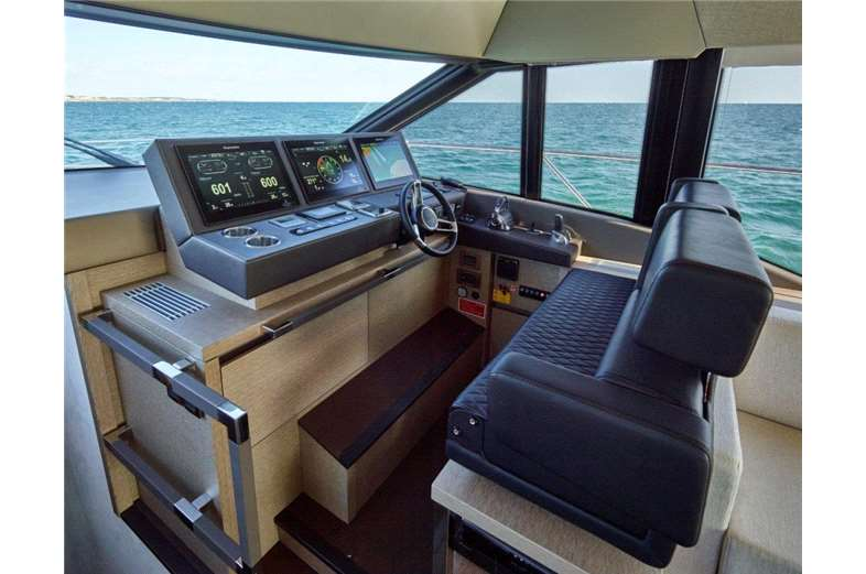 prestige-yachts-division-630-interior-3-boat-barco
