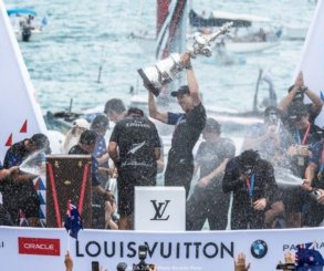 Peter Burling y Emirates Team New Zealand ganan la 35ª Copa América.
