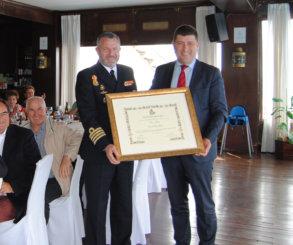 El Real Club de Mar Aguete nombró Socio de Honor del club a la Escuela Naval Militar de Marín