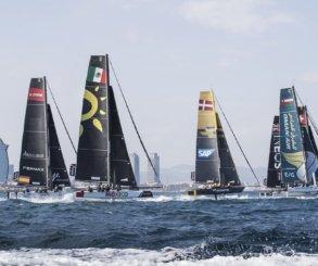 Primera jornada épica de las Extreme Sailing Series™ en Barcelona