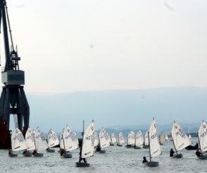 La Semana Galega da Vela arranca en Vilagarcía con dominio de regatistas del Náutico de Vigo en 420 y del Náutico de Sanxenxo en Optimist