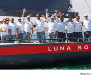 Luna Rossa, despedida de campeón en Valencia